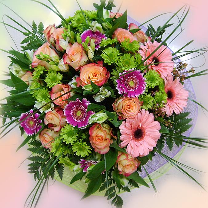 Как сделать красивый букет из живых цветов своими руками